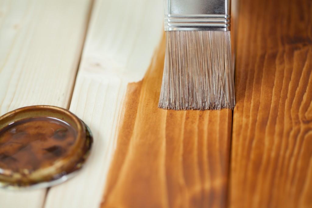 Podłoga drewniana malowanie